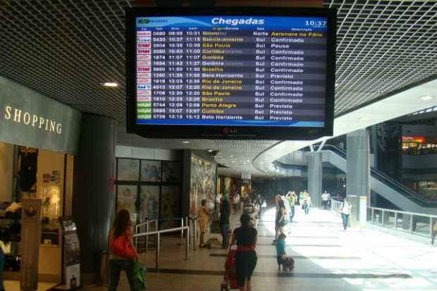 Alguns dos principais aeroportos do Pa�s apresentaram atrasos neste domingo (22). Foto: Ed Wanderley/DP/D.A Press