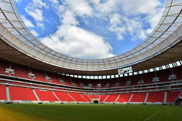 Para quem vai assistir ao jogo no Est�dio Nacional de Bras�lia, o governo do DF pede que chegue pelo menos duas horas antes do in�cio da partida. Foto: Marcelo Ferreira/CB/D.A. Press