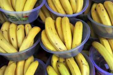 Bananas � venda em um mercado de Londres. Foto: � AFP/Carl Court (Bananas � venda em um mercado de Londres. Foto: � AFP/Carl Court)