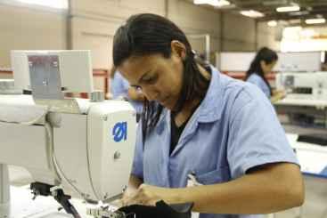 Cirlene C�sar dos Santos trabalhava como cabeleireira e hoje est� de malas prontas para o M�xico. Foto: Debora Rosa/Esp.DP/D.A.Press