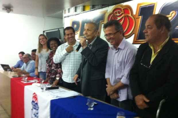 Pai do senador Armando Monteiro Neto voltou ao PDT. Foto: T�rcio Amaral/DP/D.A. Press