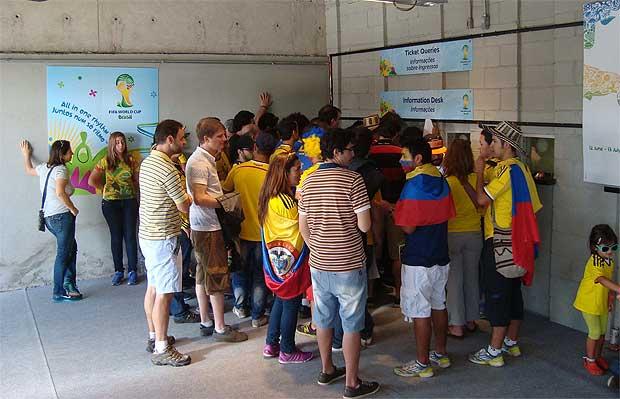 Na partida entre Col�mbia e Gr�cia, a primeira no Mineir�o, sistema de reimpress�o de bilhetes ainda vigorava: ocorr�ncias foram colocadas sob suspeita. Foto: Bruno Freitas/EM/D.A. Press