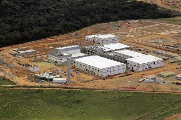 Novo lote de equipamentos chegou � f�brica da Hemobr�s em Goiana (Joao Luiz dos Anjos/Hemobras/Divulga��o)