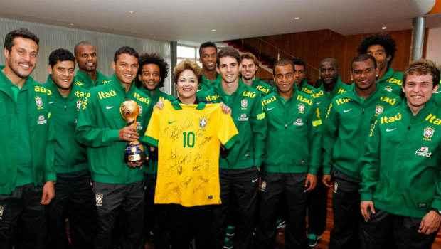 Jogadores da Sele��o Brasileira se encontram com a Dilma Rousseff em Bras�lia. Foto: Portal da COpa.gov.com/Reprodu��o