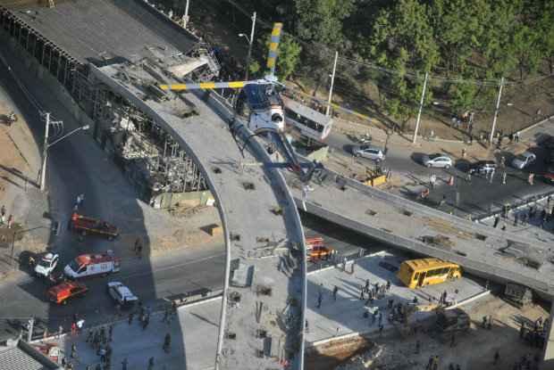 Vista a�rea do desabamento do viaduto em obra de Belo Horizonte. Foto: Ant�nio Jos�/Esp.EM/D.A Press