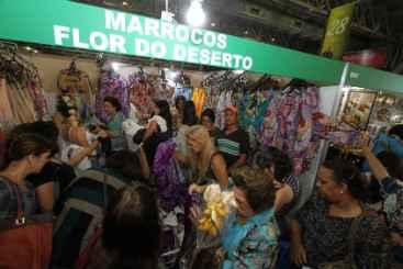 Estande do Marrocos atraiu muitos compradores interessados nas ofertas. Foto: Edvaldo Rodrigues/DP/D.A Press (Estande do Marrocos atraiu muitos compradores interessados nas ofertas. Foto: Edvaldo Rodrigues/DP/D.A Press)