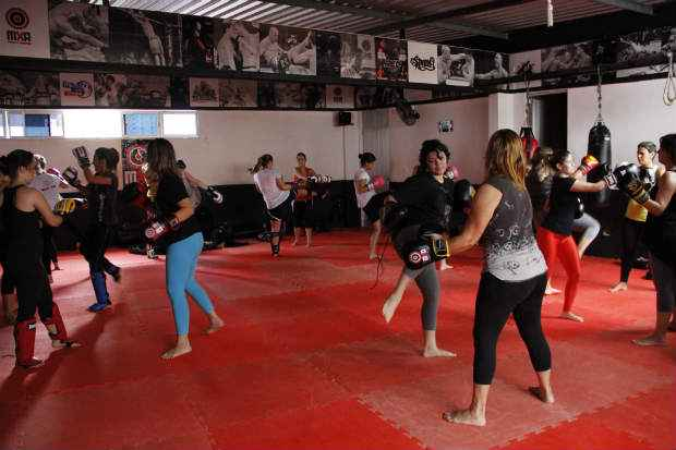 Na MXA Fight Club, as mulheres representam 90% das matr�culas nas turmas de muay thai. Foto: Debora Rosa/Esp DP/D.A Press