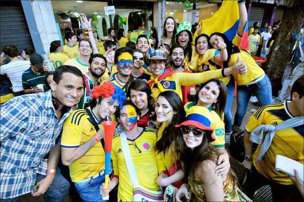 Os colombianos foram os primeiros a espalhar alegria pela cidade, embalados pela boa campanha da sua sele��o na Copa. Em poucos dias, BH foi tomada por turistas de 75 nacionalidades . Foto: Gladyston Rodrigues/EM/D.A Press
