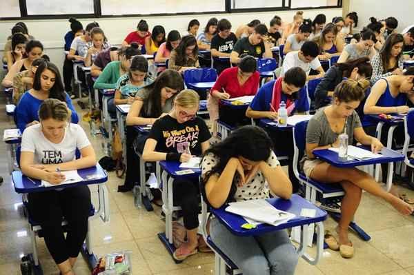 Quase 24,5 mil candidatos a vagas na Universidade de Bras�lia fizeram as provas do vestibular em 7 e 8 de junho: expectativa termina no fim da tarde de hoje. Foto: Bruno Peres/UnB