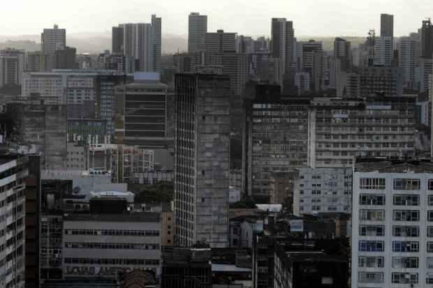 Venda de im�veis desacelerou e empres�rios come�am a rever as previs�es de crescimento para 2014. Foto: Helder Tavares/DP/D.A Press