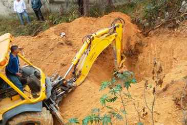 Pol�cia Civil tenta localizar restos mortais de Eliza Samudio na Grande BH. Foto: Paulo Filgueiras/EM DA Press