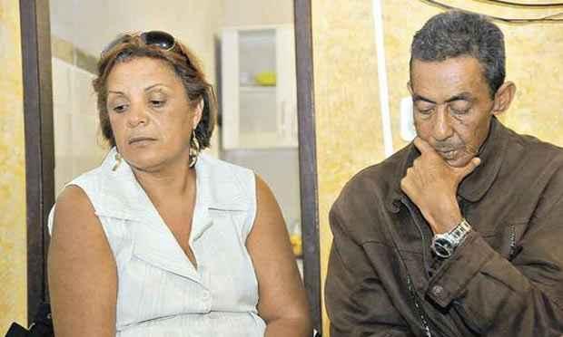 Analina e Jos� Ant�nio, pais da motorista Hanna Cristina, v�tima do desabamento: