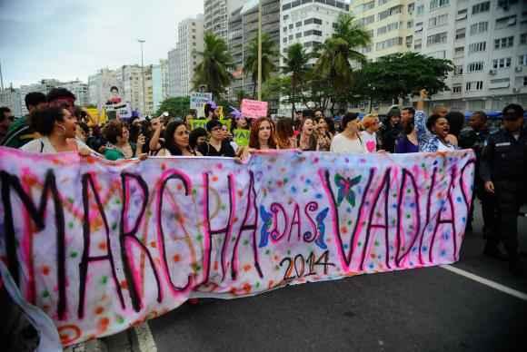Ativistas defendem direitos das mulheres durante a Marcha das Vadias. Foto: Fernando Fraz�o/Ag�ncia Brasil