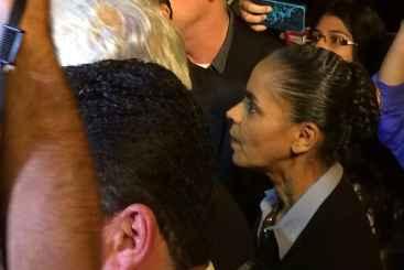 Marina chegou à casa da família do ex-governador pouco depois das 19h. Foto: Wagner Oliveira/DP/D.A Press