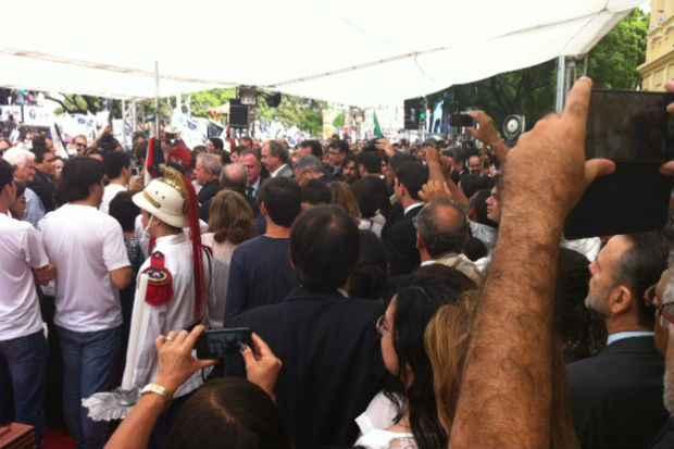 Pol�ticos chegam ao vel�rio. Foto: Julia Schiaffarino/DP/DA Press