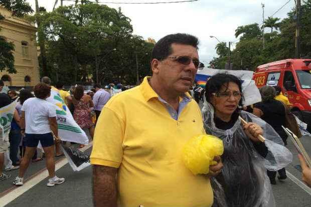 Casal Ezequias Filho e Sandra Pereira deram o �ltimo adeus ao ex-governador Eduardo Campos.  Cr�dito: Ana Luiza Machado/D.P/ D.A/Press.