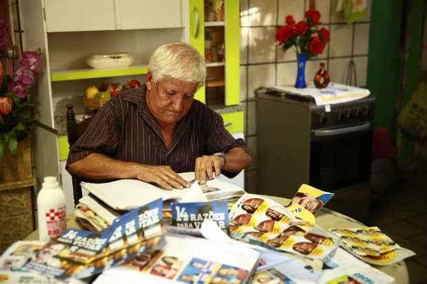 Aposentado pretende doar no futuro o acervo ao TRE-PE ou ao Instituto Hist�rico de Jaboat�o dos Guararapes. Foto: Bernardo Dantas/ DP/D.A Press