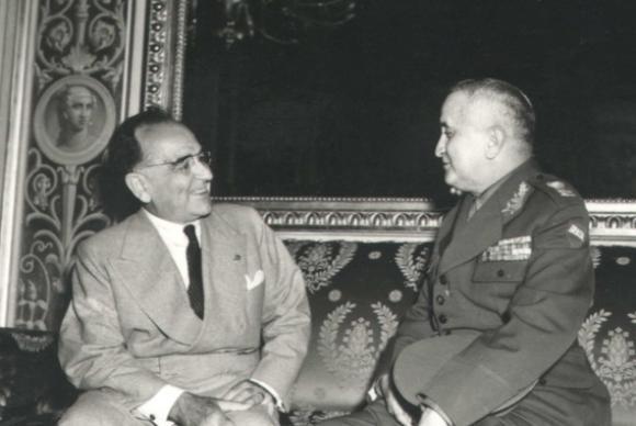 Get�lio Vargas conversa com seu ministro da Guerra, general Eurico Gaspar Dutra. foto: Arquivo Nacional