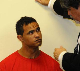 O ex-atleta deixou a penitenci�ria em Contagem e foi para Francisco S�, no Norte de Minas. Foto: Euler Junior/EM/D.A Press
