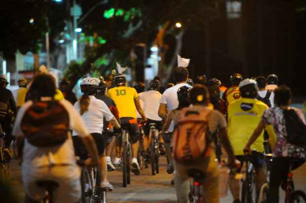 Contagem de ciclistas mostra amplo uso de bicicletas como meio de transporte no Recife. Foto: Bernardo Dantas/DP/DA Press.