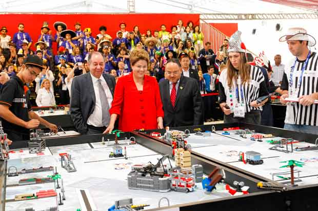 Dilma Rousseff durante visita � 8� Olimp�ada do Conhecimento 2014. Foto: Roberto Stuckert Filho/ PR