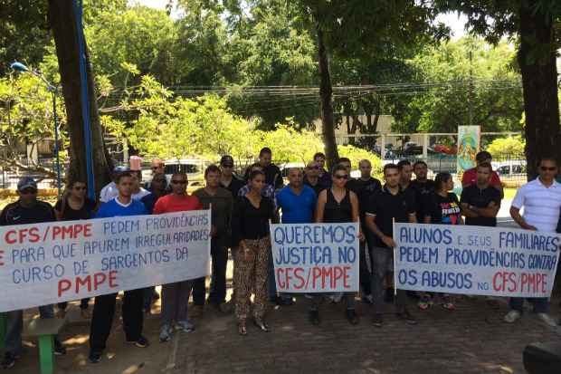 Grupo está concentrado no Parque 13 de Maio. Foto: Wagner Oliveira/DP/D.A.Press