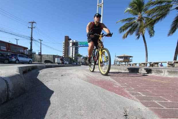 Blocos reutilizados da obra anterior não serviram no novo projeto. Foto: Edvaldo Rodrigues/DP/D.A Press