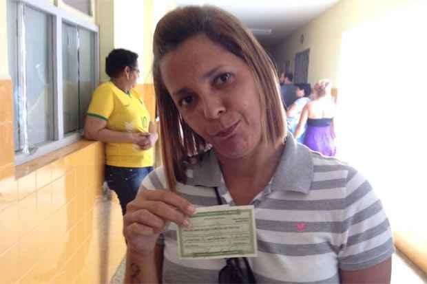 A enfermeira Hisladjane Maciel, de 46 anos, passou 1h30 na fila e descobriu que alguém havia votado em seu lugar. Foto: Reprodução do Facebook