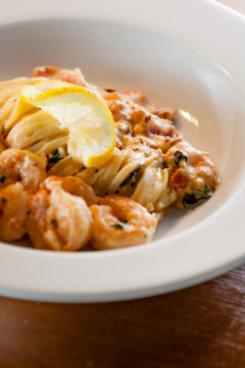 No Pomodoro, a pedida do dia é o Fettuccine Maremonti. Foto: Victor Muzzi/Divulgação