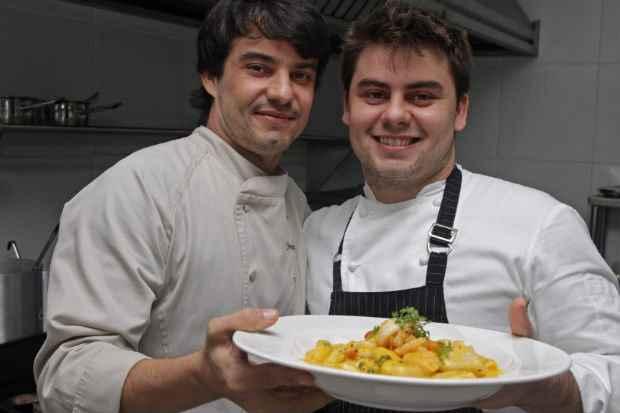 Os irmãos vão receber César Santos na próxima edição do Jantar a Seis Mãos. Foto: Roberto Ramos/DP/D. A Press