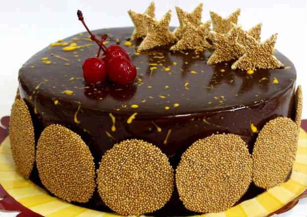 A torta Natal é com recheio de ganache de chocolate. Foto: Fifi/Divulgação