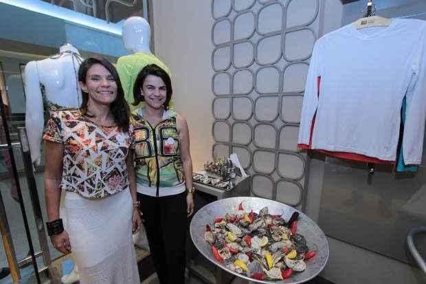 As empresárias Patrícia Luna e Liliane Dantas fornecem as ostras para festas e eventos. Foto: Luiz Fabiano/Divulgação
