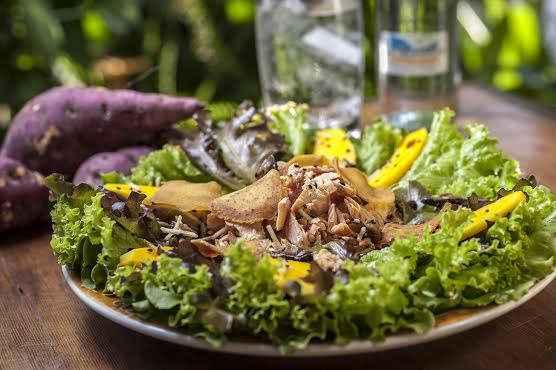 A Salada Oki é do La Crêperie. Foto: Thiago Cavalcanti/Divulgação