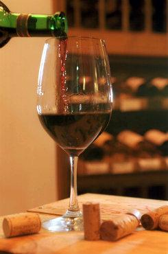 As taxas servem para uísque, vinho ou espumante. Foto: Sérgio Amaral/CB/D.A Press