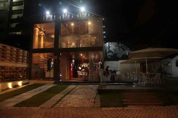 Para o encontro com os amigos, há também os espaços mais descontraídos como o Vaporetto. Foto: Peu Hatz/Divulgação