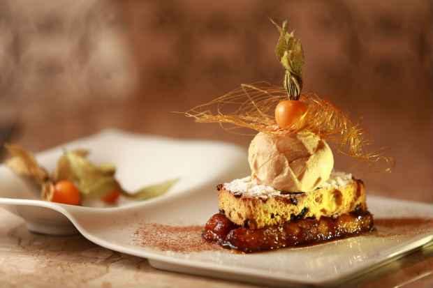 A cartola pode ser ainda servida com queijo do reino. Foto: Bernardo Dantas/DP/D. A Press