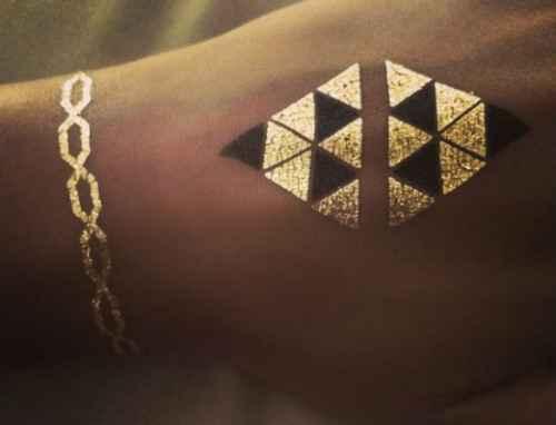 Cantora Beyoncé fotografou sua própria flash tattoo. Foto: Instagram/ Reprodução