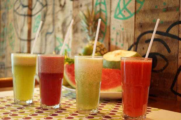 No Sane, alguns sucos combinados levam ingredientes que ajudam na ressaca. Foto: Breno Pessoa/Divulgação
