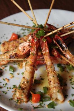 Camarão à provençal é sugestão do chef. Foto: Roberto Ramos/DP/D.A Press