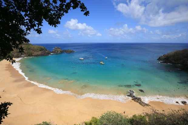 Baía do Sancho é a melhor praia do mundo pelo segundo ano consecutivo. Foto: Teresa Maia/DP/DA Press