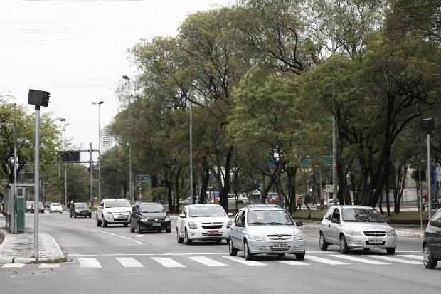 Atualmente, existem 51 equipamentos de fiscalização de velocidade no Recife. Foto: Blenda Souto Maior/DP/D.A.Press (Blenda Souto Maior/DP/D.A.Press)
