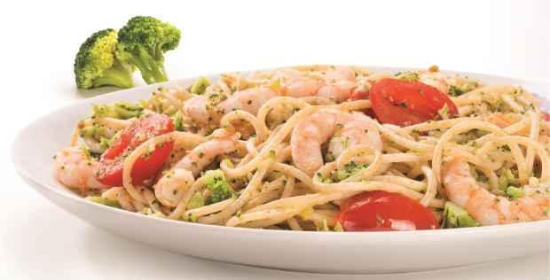 Spaguetti italian diet, feito de massa integral, mistura massas e frutos do mar.. Foto: Verbo Comunicação/Divulgação