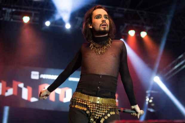 No dia 27 de março, o cantor se apresenta no Teatro Luís Mendonça. Crédito: Reprodução/internet