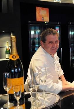 Chef Laurent Suaudeau acredita que não basta talento. Disciplina e compromisso são necessários para se tornar um bom cozinheiro no Brasil. Foto: Adauto Cruz/CB/D.A Press