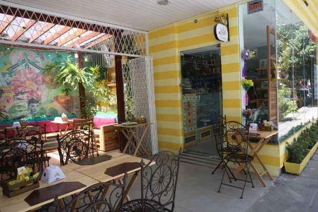 Com proposta vintage, porém, moderna, Lalá Café encanta com sua linda decoração. Foto: Teresa Maia/DP/D.A Press