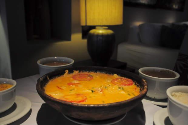 Ensopado de Bacalhau acompanha caldo de feijão no restaurante Bargaço. Foto: João Velozo/ Esp. DP/ D. A Press