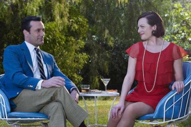 Jon Hamm e Elisabeth Moss interpretam Don Draper e Peggy Olson no seriado. Foto: Frank Ockenfels/AMC