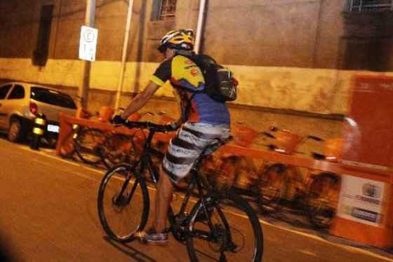 Uso do capacete nos ciclistas não é unanimidade. Credito: Nando Chiappetta/DP/ D. A Press