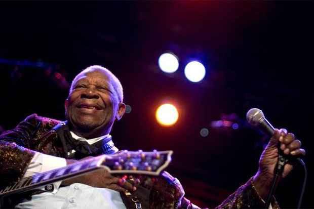 Músico foi um dos maiores responsáveis pela popularização do blues no mundo. Crédito: AFP Photo