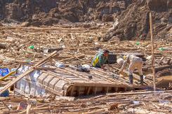 Foto do dia 1º de abril de 2015 mostra alguns efeitos de uma forte chuva que se abateu sobre a região do Deserto do Atacama e causou diversos danos materiais, além de deixar mortos e desaparecidos. Foto: AFP / Patricio Miranda